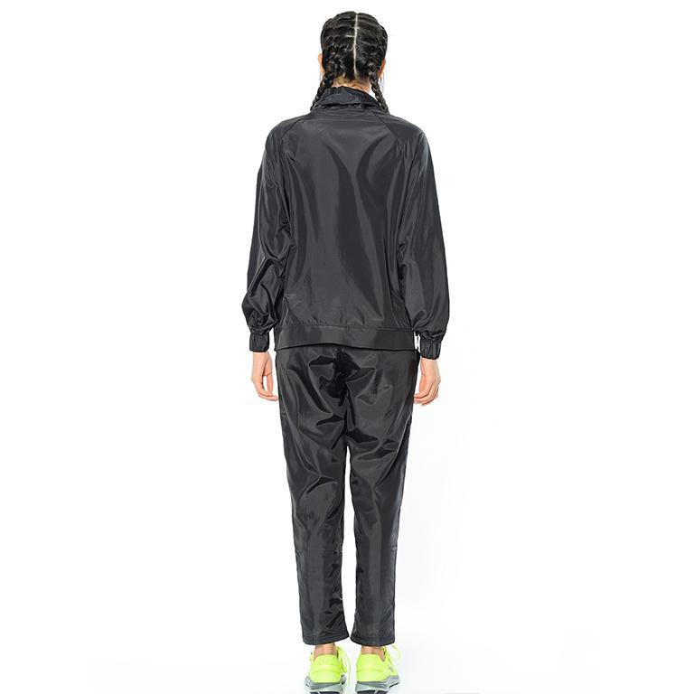 Agasalho Sportswear Track Suit Wove Feminino Preto e Branco 829723 Nike R   313 87a10c1bc82de