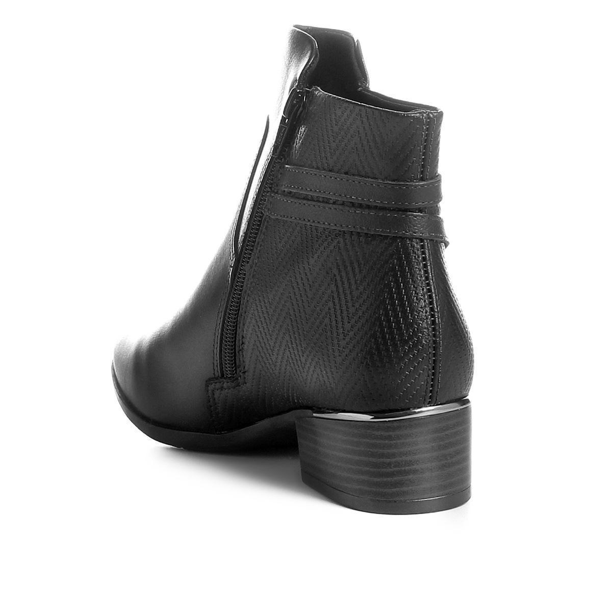4af1e3448 Bota Cano Curto Comfortflex Salto Curto Multi Tiras Metal Feminina R$  249,99 à vista. Adicionar à sacola