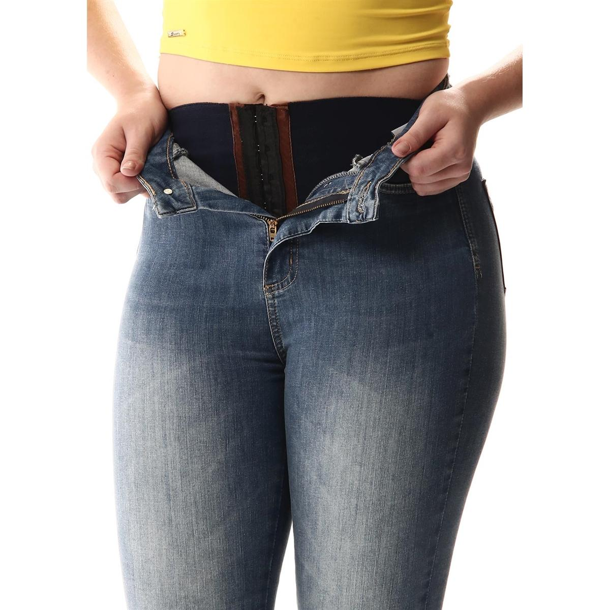 cc956547f Calça Jeans Feminina Super Lipo Com Cinta Interna Barra Dobrada - Sawary R   89