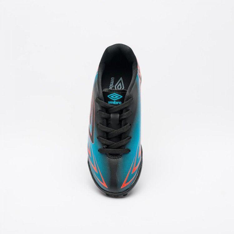 3a24a676703ed Chuteira Society Umbro Speed III Jr - Preto/Azul/Coral R$ 129,90 à vista.  Adicionar à sacola