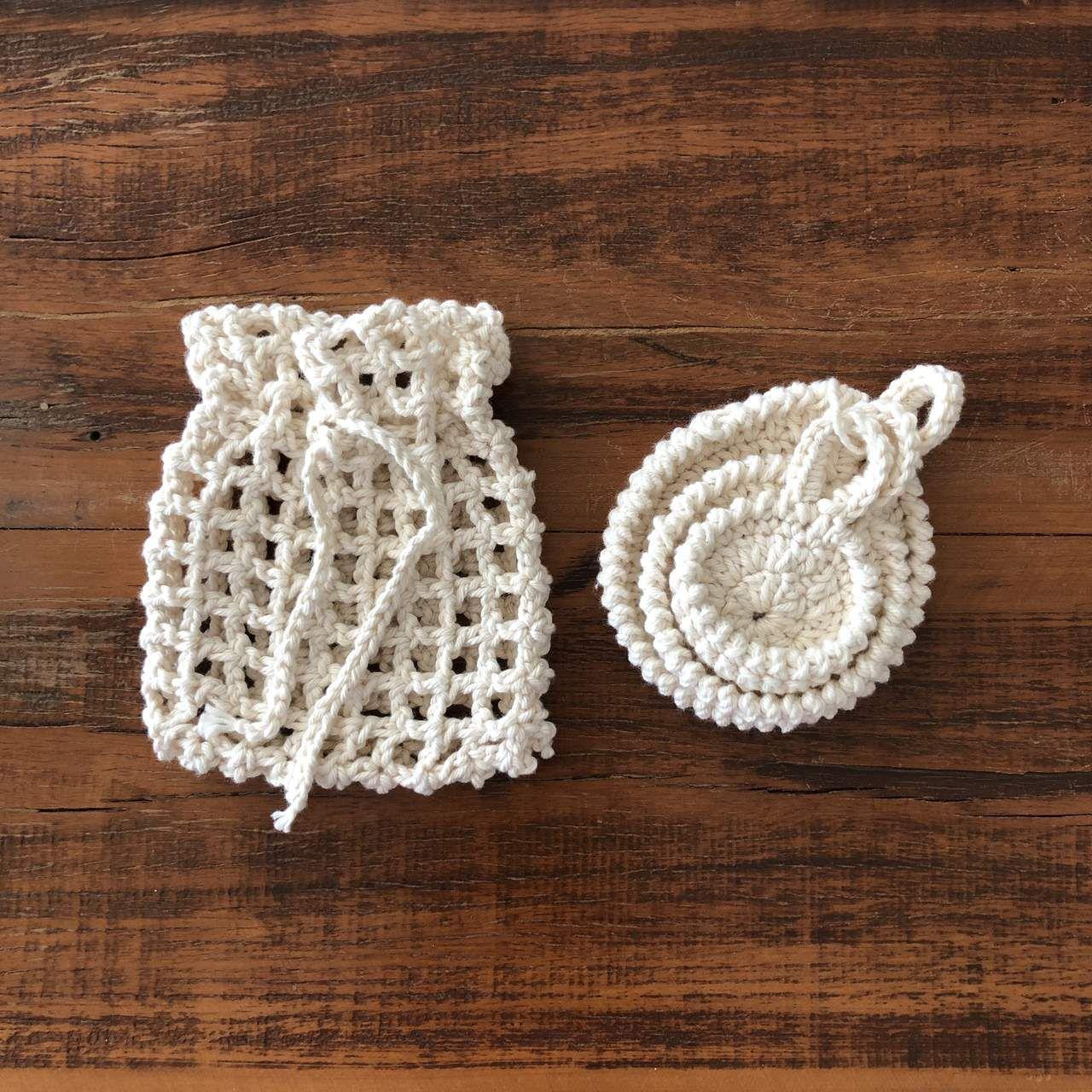 Kit 3 ecopads + sacolinha de crochê cor creme