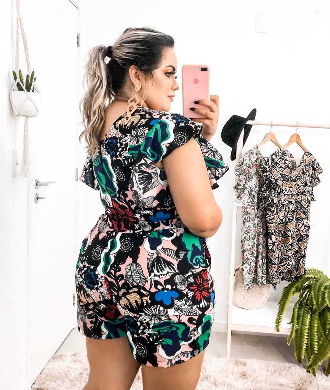 70e078528 Macaquinho Plus Size Lindo Estampado Moda Roupas Femininas - Bellucy modas  R$ 79,00 à vista. Adicionar à sacola