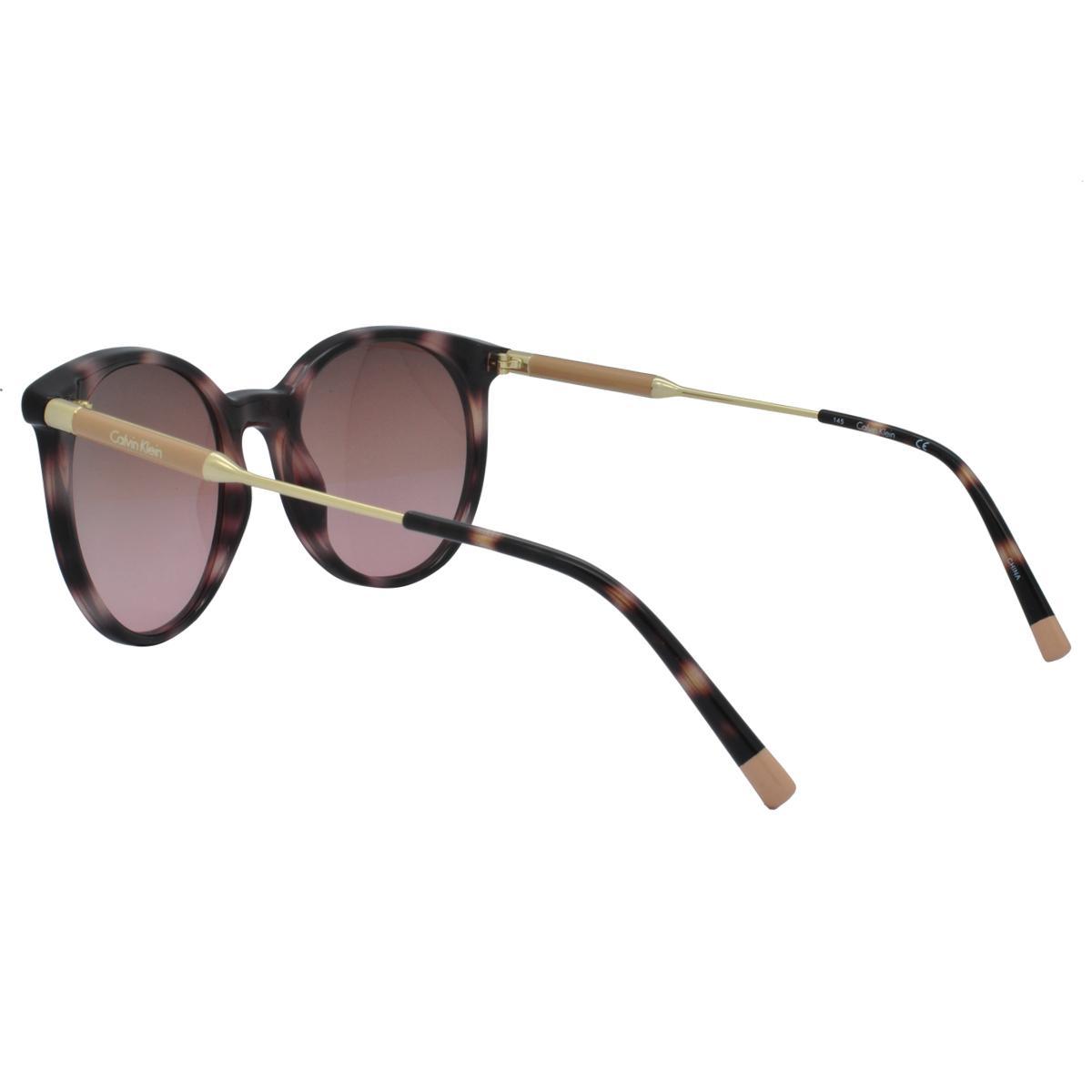 90ceaa39521ad Óculos de Sol Calvin Klein Feminino CK3208S 669 - Acetato Tartaruga Marrom  e Lente Marrom Degradê R  691
