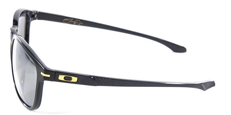 ec04091a0 Óculos de Sol Oakley Enduro OO9223 Preto Polarizado Produto não disponível