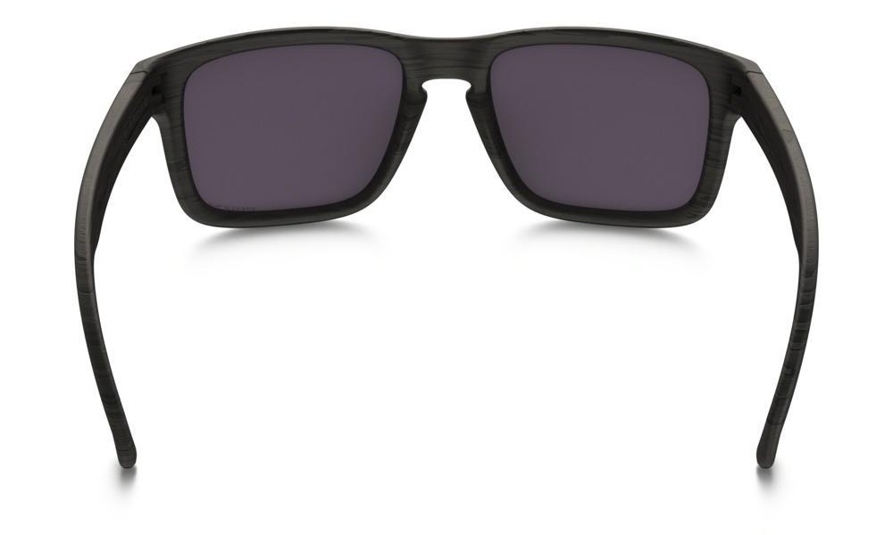 Óculos de Sol Oakley Holbrook OO9102 Preto Madeirado Lente Polarizada R   569,99 à vista. Adicionar à sacola e483e3a57a