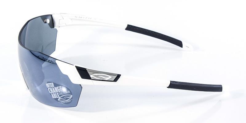 0d229c6aaf953 Óculos de Sol Smith Pivlock Branco Preto - Óculos de Sol - Magazine ...