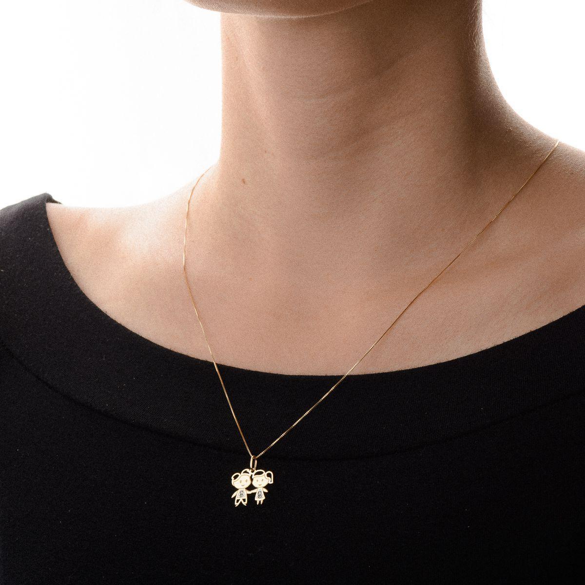 a06705dce53cd Pingente de Ouro 18k Casal Menino e Menina com Diamante pi19000 - Joiasgold  R  675