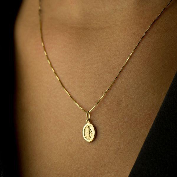 Pingente de Ouro 18k Medalha de Nossa Senhora das Graças Pequeno pi163 - Joiasgold  R  287,59 à vista. Adicionar à sacola b44225a359