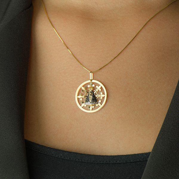 3df8f4b082377 Pingente de Ouro 18k Nossa Senhora Aparecida com Safiras pi17001 - Joiasgold  R  1.410,26 à vista. Adicionar à sacola