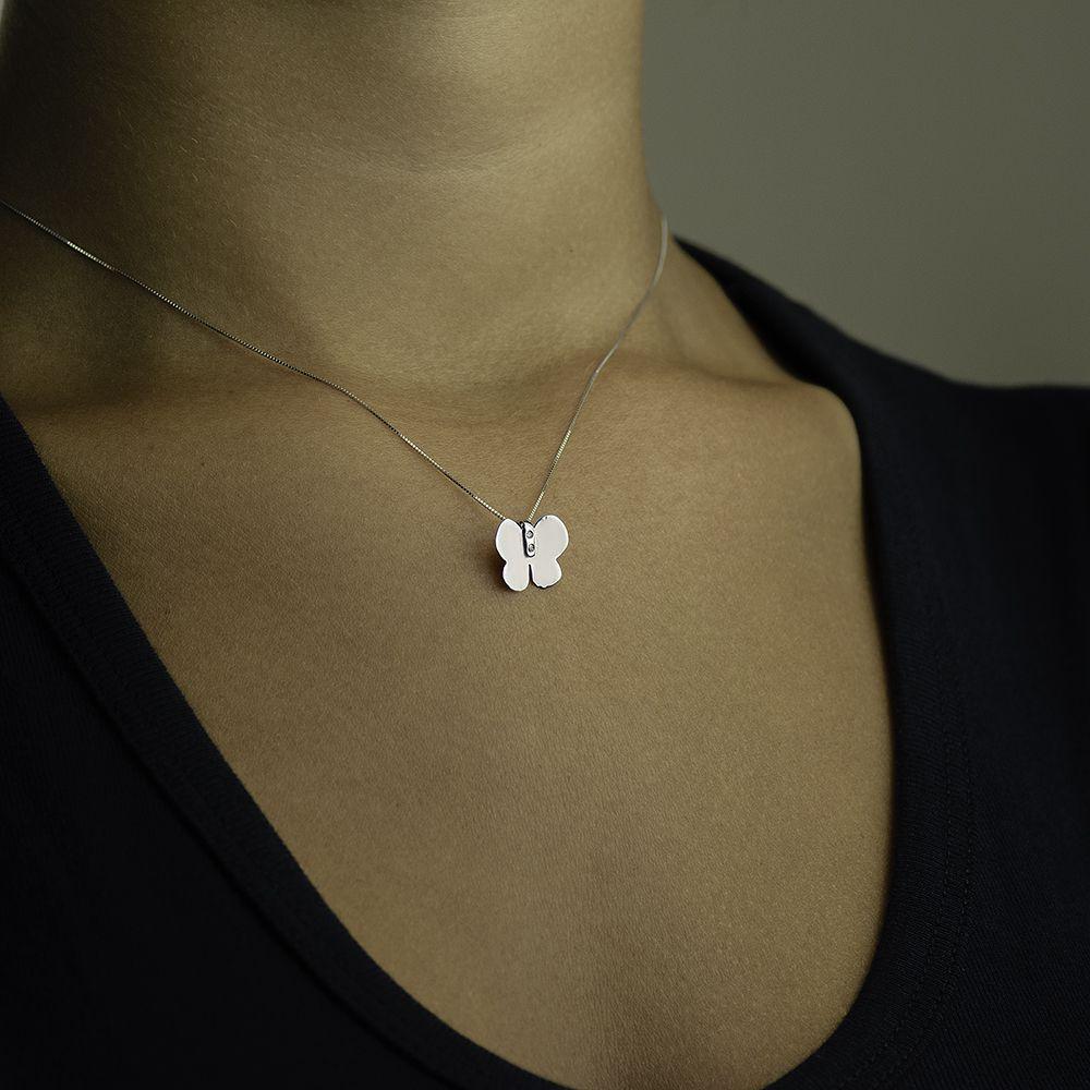 07a2d5471ec97 Pingente de Ouro Branco 18k Animal Borboleta com Diamante pi14819 -  Joiasgold R  661,82 à vista. Adicionar à sacola