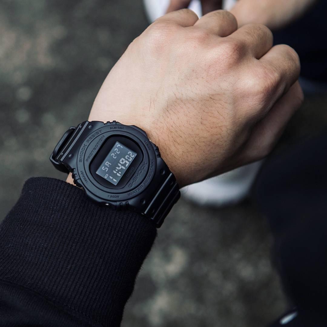 6f5840c97d7 Relógio Casio G-Shock Masculino DW-5750E-1BDR - Relógio Masculino ...