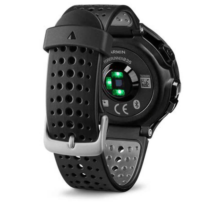 6cfab939d47 Relógio com Monitor Cardíaco Embutido Garmin Forerunner 235 Preto com  Bluetooth e GPS R  1.999
