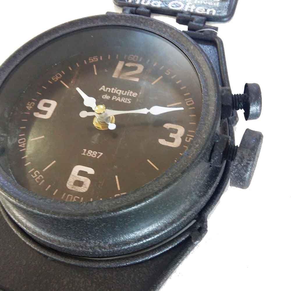 98ee69172ce Relógio De Parede Relógio De Pulso Retrô Preto Com Ganchos - Versare anos  dourados R  275