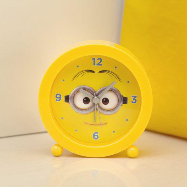 7398ee25367 Relogio despertador infantil minions meu malvado favorito decorativo  analogico retro vintage - Gimp R  21