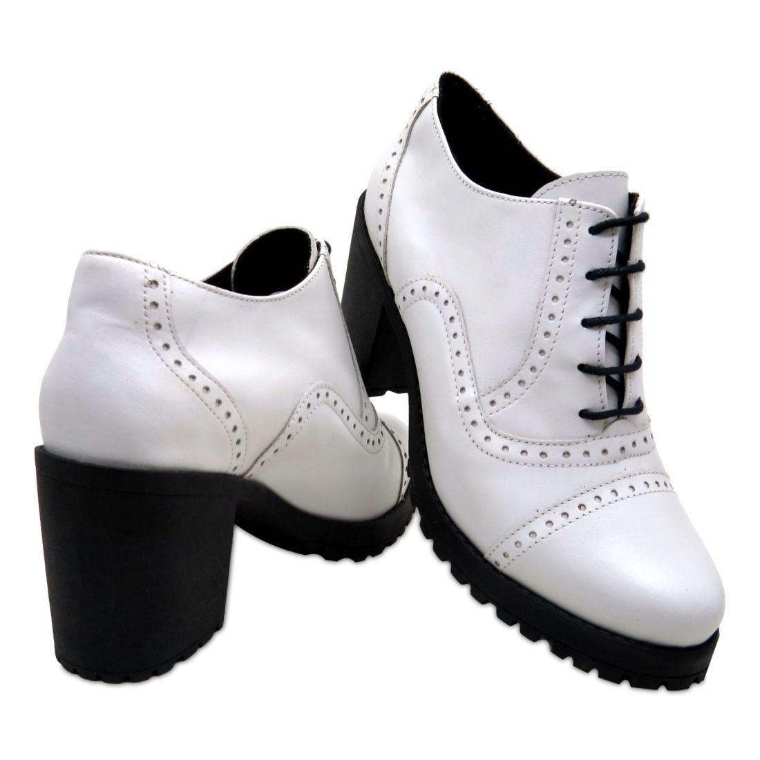 18b85d7a2e Sapato Oxford Feminino QA Enviamix em Couro Branco R$ 139,90 à vista.  Adicionar à sacola