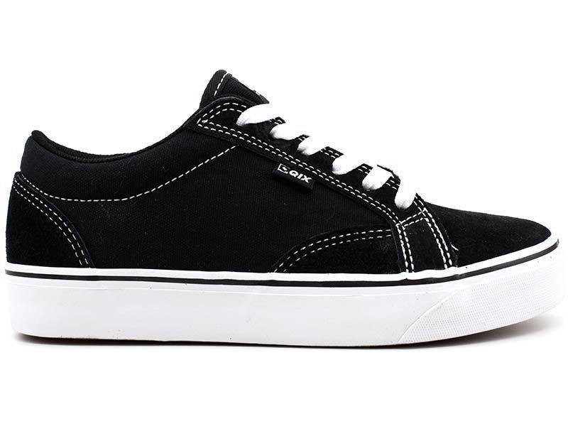 f8828cbd7485e Tênis Qix Shoes 109301 Skate Lona Preto R$ 189,90 à vista. Adicionar à  sacola