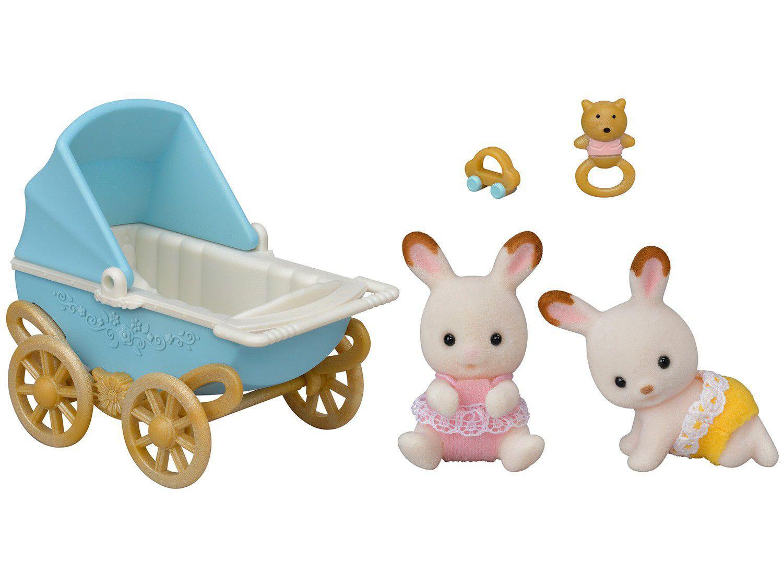 Sylvanian Families Bebê Gêmeos Coelho Chocolate - Carrinho de Bebê com Acessórios Epoch Magia