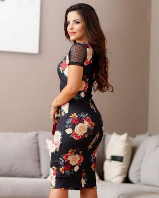 02a36a516 Vestido Midi Tubinho com Renda Moda Evangélica - Flor de amêndoa R  139