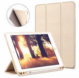Capa Smartcase para Apple New iPad com Suporte para Pencil - Dourada - Fly