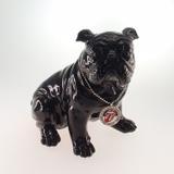 Estatueta Decorativa Bulldog Preto Sentado Colar Rolin Stones - Deco art