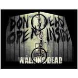 Esteira Bandeja Porta Copos Para Braço de Sofá Estampada  Walking Dead Dont Open Dead Inside - Móblis