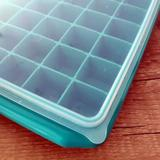 Formas de Gelo C/tampa 40 Gelos Empilhável Grande - Supermercado digital