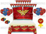 Kit Decoração de Festa Mulher Maravilha * Painel + Toalha mesa + Faixa + Balões + 40 Forminhas +Vela - Festcolor