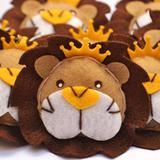 Lembrança Chaveiro Feltro Rei Leão Marrom - Mais que baby