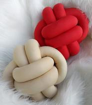 02 Almofadas nó Escandinavo Vermelho intenso e Nude Luxo - Inspire Joy Home -