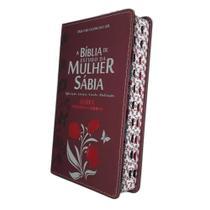 A Bíblia De Estudo Da Mulher Sábia Letra Grande Tulipa Bordô Harpa -