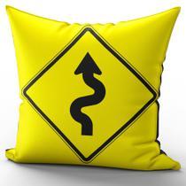 Almofada Completa 40x40cm Placa Amarela Curva 1 - Fastvenda