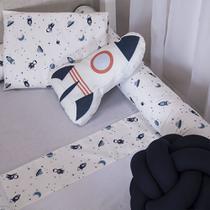 Almofada Decorativa Astronauta Foguete para Quarto de Bebe Menino - Anjos Enxovais