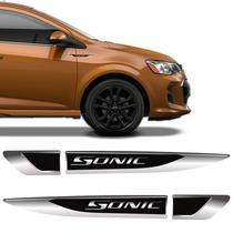 Aplique Lateral Sonic Decorativo Emblema Resinado Chevrolet - Sportinox