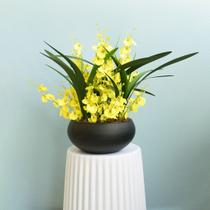 Arranjo de Flores Artificiais Amarelas no Vaso Preto Fosco  Formosinha -