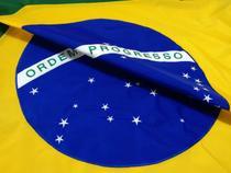 Bandeira em nylon bordada (100% poliamida) 1,60m x 1,12m- brasil 2,5 panos - Banderttini