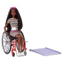 Barbie Fashionista Cadeira de Rodas Cabelo Cacheado - Mattel -