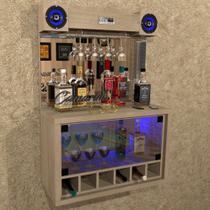 """Barzinho """" TOP """" COM CAIXA DE SOM 5"""" - 6 adegas, cristaleira, Iluminação LED RGB - Bar23 CARVALHO - Camarim Móveis"""