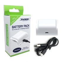 Bateria E Cabo Carregador Branco Controle Xbox One (S)/X - Dobe