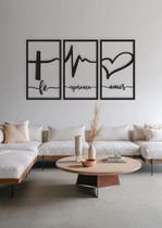 Batimentos Fé Esperança Amor 110x60cm Lettering Madeira Mdf Aplique de Parede - Império Das Artes