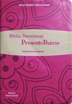 Biblia Devocional Presente Diario Luxo - Bege/Pink - Editora Radio Trans -