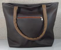 Bolsa com alça fashion marrom -