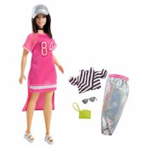 Boneca Barbie Fashionistas com Acessórios - Morena Plus Size Vestido Rosa - 101 - Mattel -
