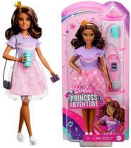 Boneca Barbie Princesa Teresa Morena Princess Adventure Fashionista Bolsa Celular Copo - Mattel -