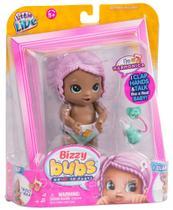 Boneca Bizzy Bubs Harmônica Anda Fala Igual Bebê Lilaz DTC -