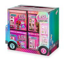 Boneca Lol Furniture Candide colorida -