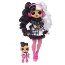 Boneca LOL Surprise OMG Dollie - Winter Disco Series Candide 8935 - 5 a 7 anos - de R 300,00 ou + -