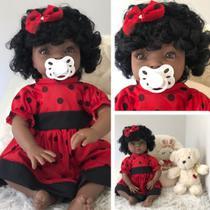 Boneca Negra Bebê Realista Menina Tipo Reborn Com Acessórios - Sonho De Criança