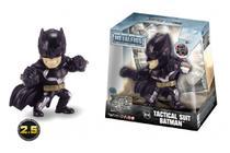 Boneco de Metal Liga da Justiça - Batman Tactical Suit 6cm 4735/M540 - Dtc -
