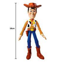 Boneco de Toy Story Woody de 18cm Disney Acabamento Premium em Vinil - Lider