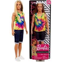 Boneco Ken Fashionista Cabelo Longo Loiro Número 138 Roupa Fashion Verão Tie Dye Bermuda - Mattel -